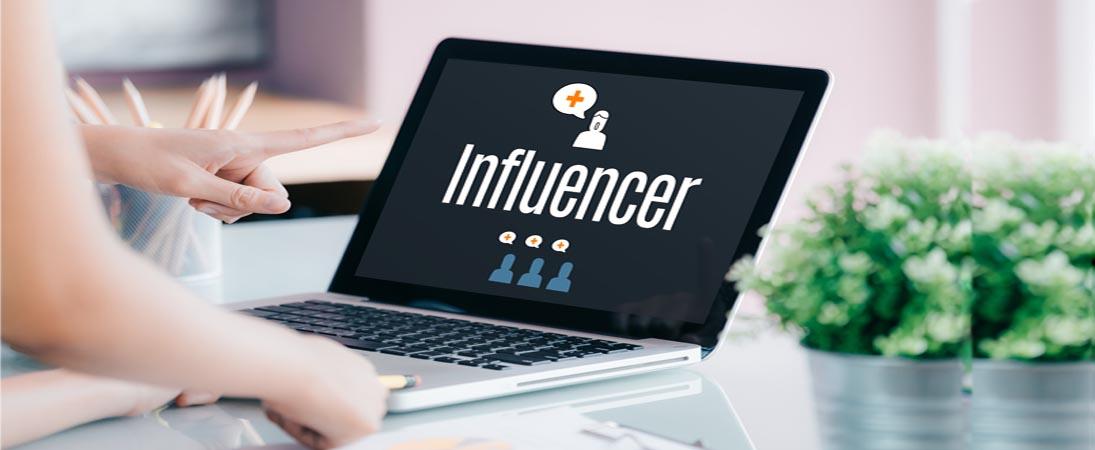 finding influencer in social media